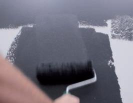 applicare il primo colore di OXID con il rullo IMPRONTE